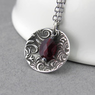 Contrast Necklace Garnet