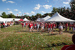 outdoor-confetti-streamers.jpg