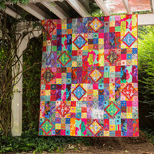 Carnival of ColorProject  Featuring Kaffe Fassett Collective Fall 2017 Designed by Linda and Carl Sullivan Tech edited by Linda Turner Griepentrog