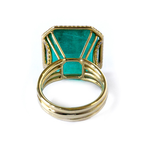 Shani Emerald: Irina Ferry 18K Yellow Gold Emerald And Diamond Ring
