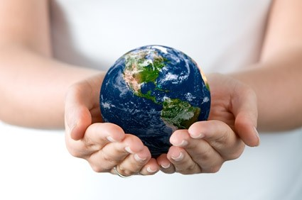 hands-holding-the-earth-picture-165318.jpg