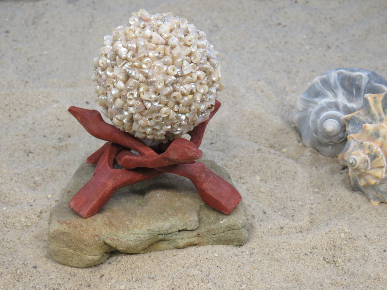 Small Cobra Stand with Seashell Ball Ornament