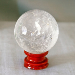 Clear Quartz can help protect your energy from outside influences and is great for your immune system.   Quartz Sphere - Weight is .56 lbs or 8.96 oz., sphere is approx. 60 mm.  The  Quartz Sphere pictured is the one that you will be receiving upon purchase of this item.  Stand is not included.