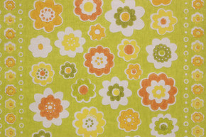 1970's Vintage Wallpaper Flowers on Green