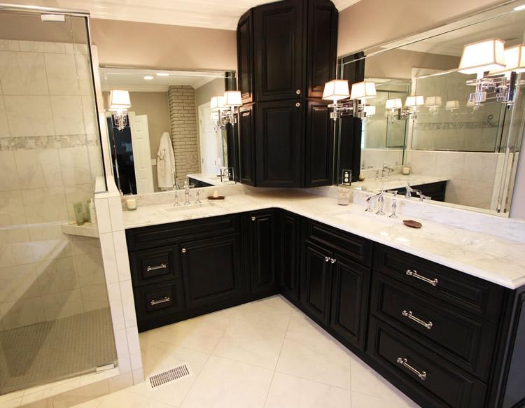 Midnight Black Kitchen · Cabinet Construction