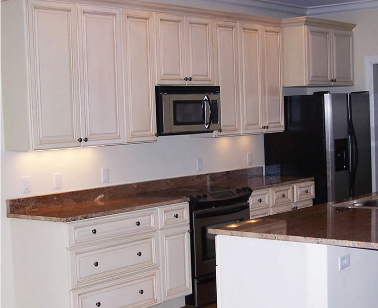 Kitchen cabinets off white glazed craftsmen network - Pictures of off white kitchen cabinets ...