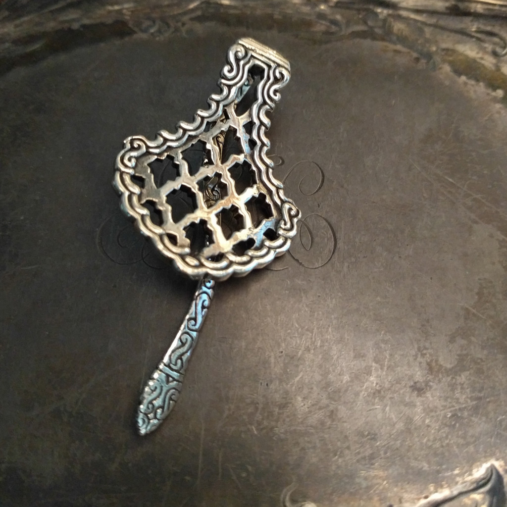 Marrakech shawl pin - front view