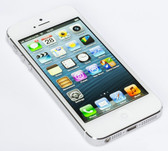 apple iphone 5 32gb dual core 4g smartphone white + free gifts