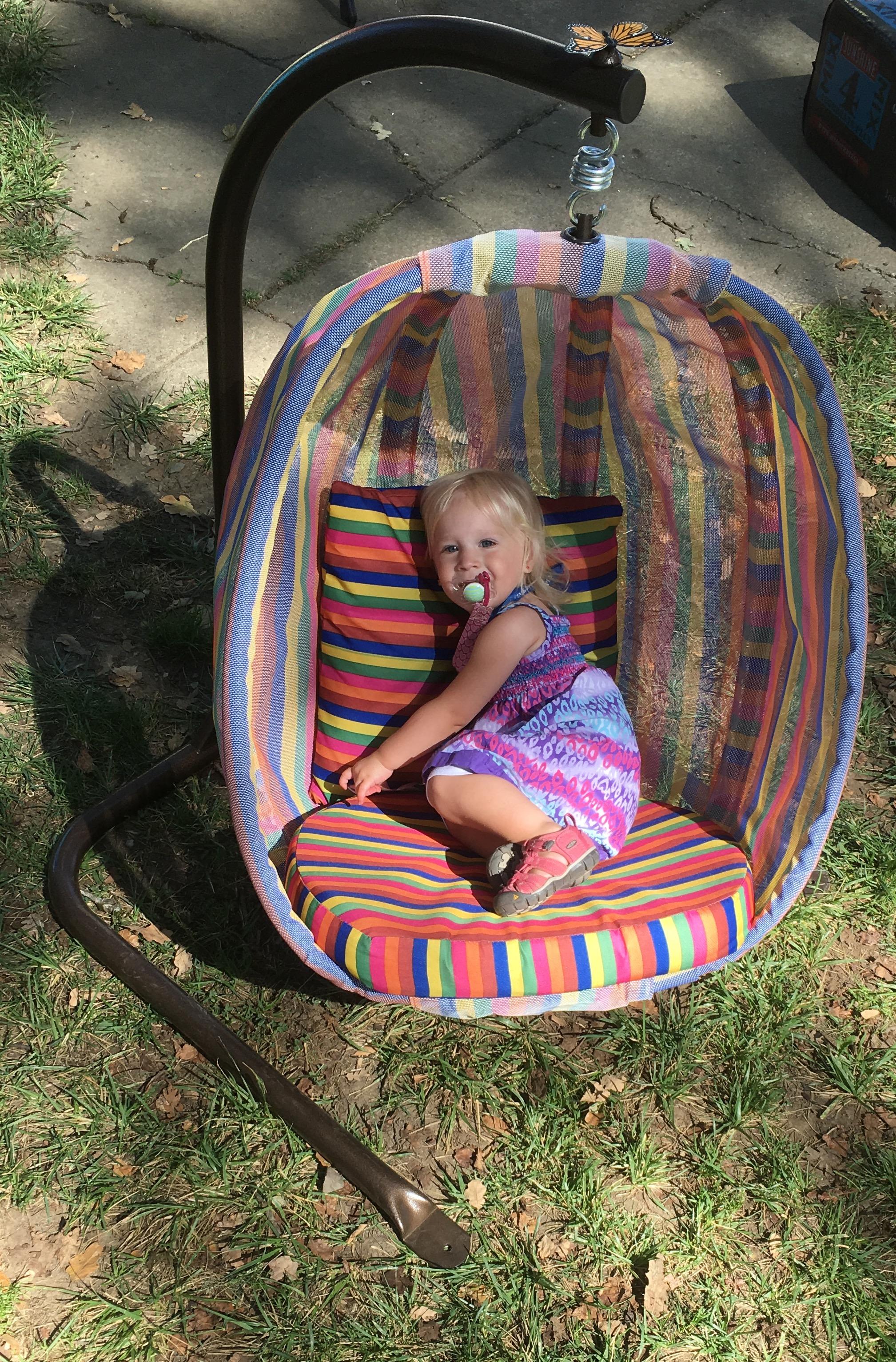 egg-chair-junior-striped-lifestyle-photo-sparetime-trade-show.jpg