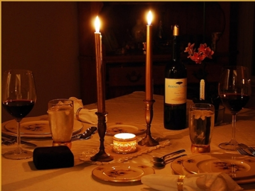 ​How to create a truly romantic and intimate dinner