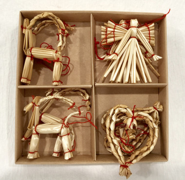 10 Piece Straw Ornament set