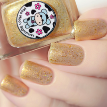Gold Reindeer by Moo Moo's Signatures