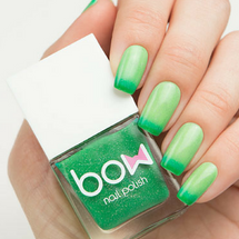 AVAILABLE AT GIRLY BITS COSMETICS www.girlybitscosmetics.com Thermo Top Coat Green (Conversion Collection) by Bow Polish | All product images courtesy of Dance Legend.