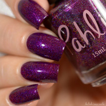 AVAILABLE AT GIRLY BITS COSMETICS www.girlybitscosmetics.com Starwberry Moon (Happy Holo-ween III Collection) by Pahlish | Swatch  credit: Delishious Nails