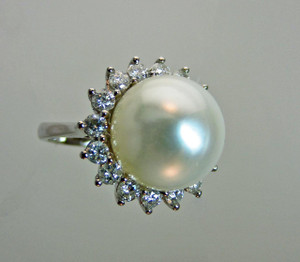 South Sea Pearl (AAA Quality, 12mm) & Diamond Ring