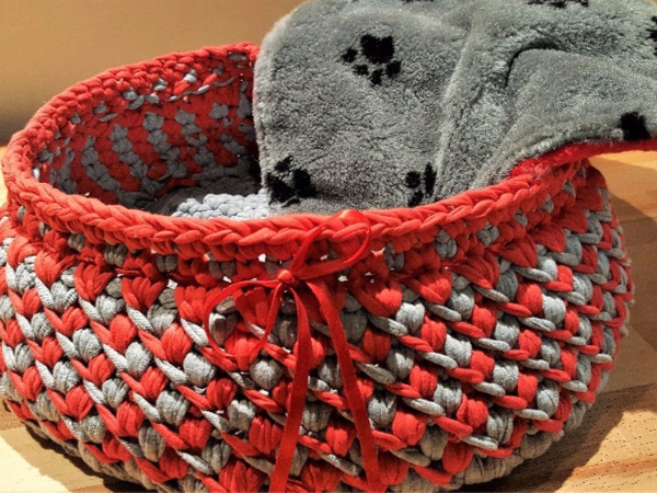 Kitty Kubby is a handmade crocheted bed with a reversible inner mat/lining. An awesome place for your pet to rest!  These beds are subject to availability, and require additional time for creating them.