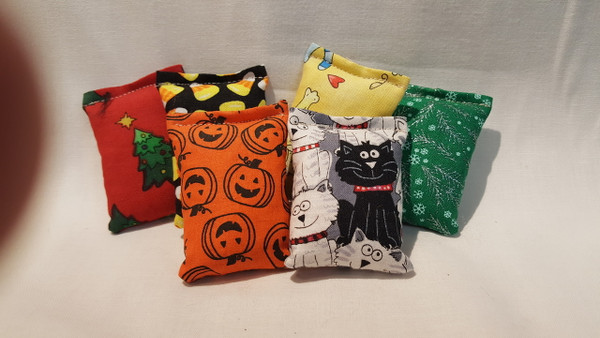 All new Mini Catnip Bags...same great toy, just in Mini Mode!  Approximately 2.5 x 3 inches.