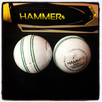 Hammer LE White Cricket Ball