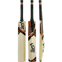 The Kookaburra Onyx 700 is only available in adult size SH