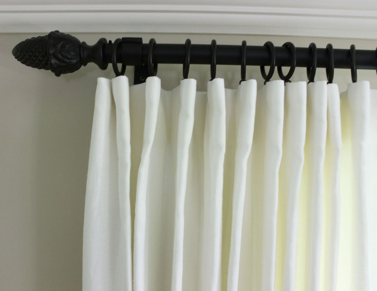Casual roman shades in kravet dublin linen for Confeccion cortinas