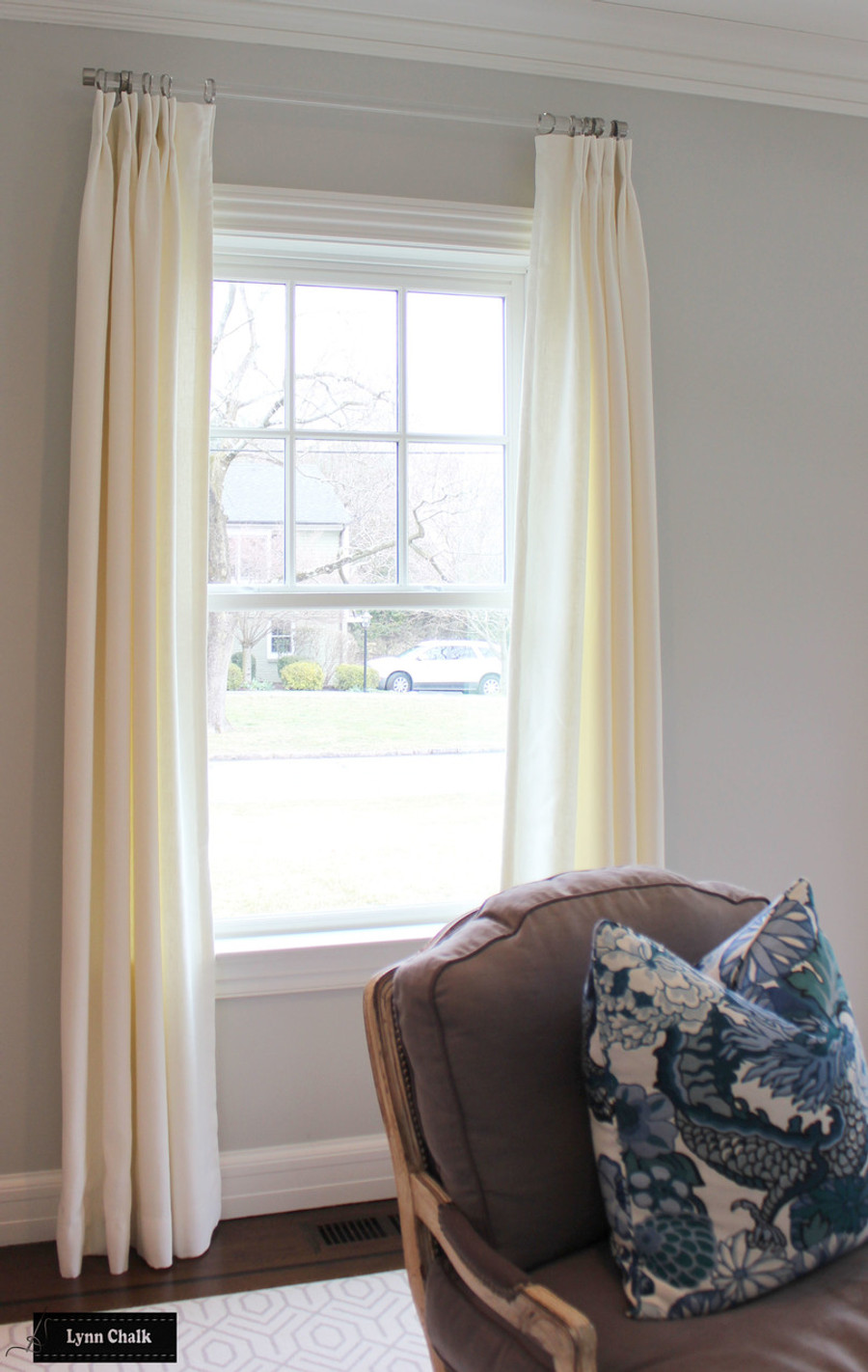 Drapes in Kravet Dublin Linen in Bleach.
