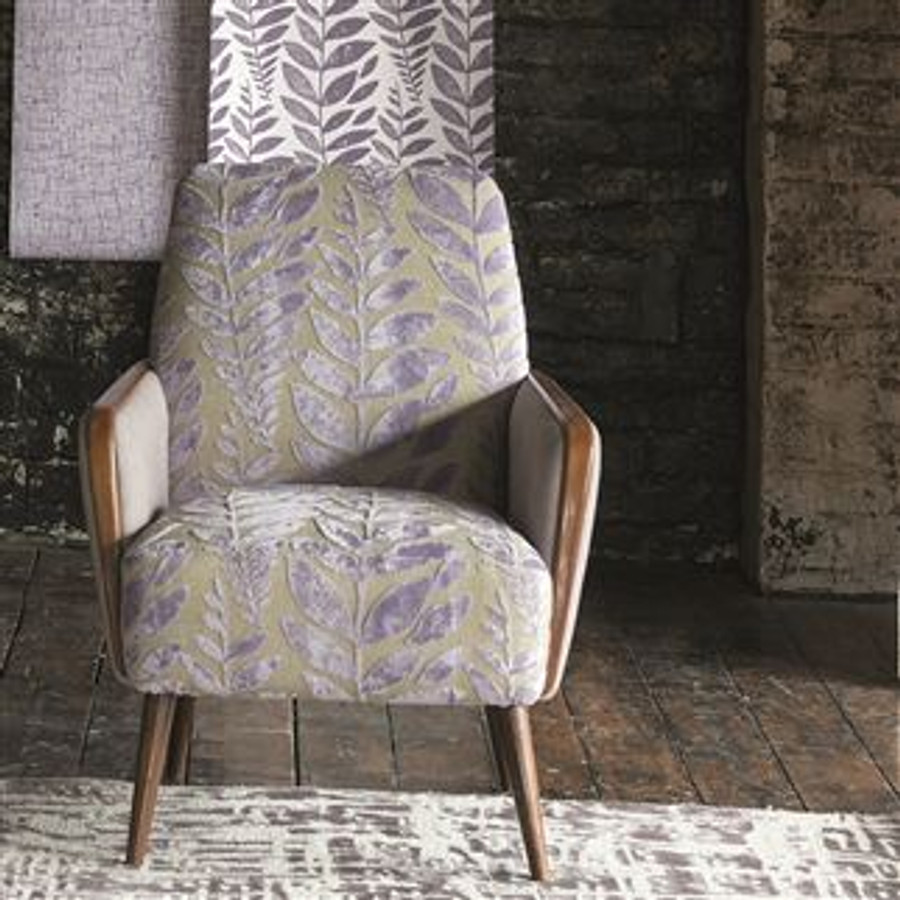 Chair in Foglia in Iris