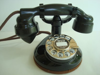 Model 1179  round base telephone