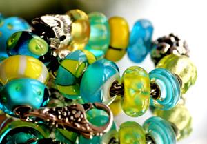 trollbeads-gallery-bracelet-tur-yellow.jpg