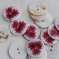 5 Natural Shell Buttons - Raspberry Daisy Flower - 2.5cm