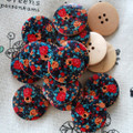 10 Retro Floral Wood Buttons - Red Rose Flower - 3cm