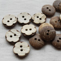 10 Coconut Shell Buttons - Plum Flower - 15mm