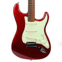 2000 Fender American Deluxe Stratocaster Electric Guitar Candy Apple Red