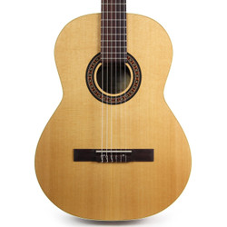 La Patrie Collection Cedar & Rosewood Classical Guitar Bundle with Hard Case