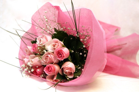 Assorted pink rose bouquet