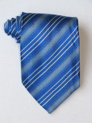 Free 3 Versus1 White Stripe Blue Background Tie