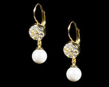 Formal Cream Pearl and Gold Earring (Ivory)