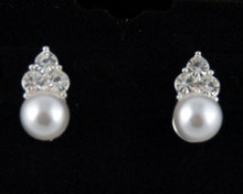 White Pearl jewelry necklace earring set Brides/Bridal Earrings - White Pearl & Ivory Pearl