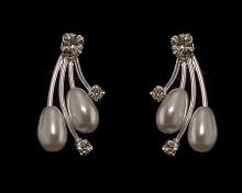 Shooting Star Earrings: Whispy White Pearl & Sivler Branches