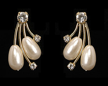 Shooting Star Earrings:  Wispy Gold Branches, Ivory Pearls