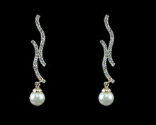 Ivory Pearl and Gold Double Swirl Earring