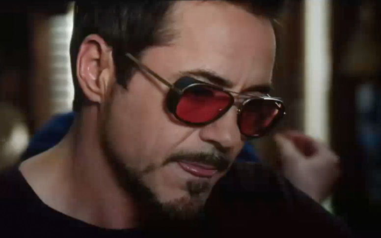 robert-downey-jr.-iron-man-3-sunglasses-custom-red-lenses.png