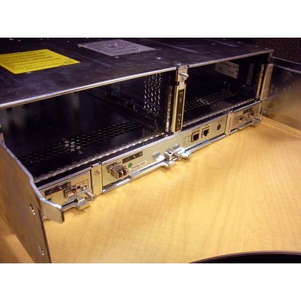 Sun 501-6338 Array Chassis and Midplane 6120 via Flagship Tech