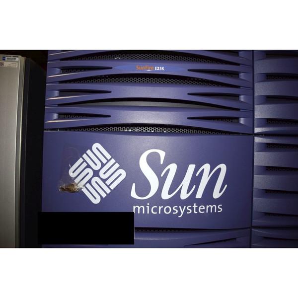 Sun Fire E25K Server 32x 1.8GHz, 20x 1.5GHz, 416GB Memory, System Controller
