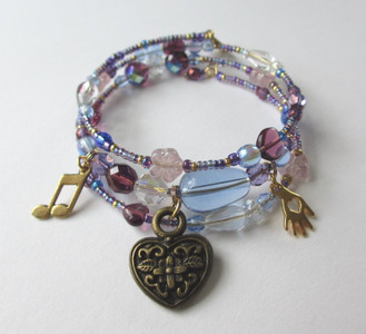 The heart breaking prayer in Act 2 of Puccini's Tosca inspires the Vissi d'arte Bracelet. Trapped by Scarpia and desperate to save her lover Mario, Tosca appeals to God for answers.