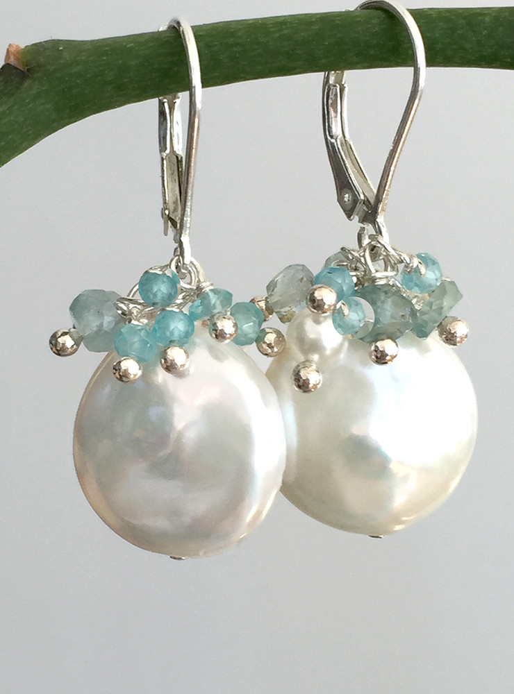 Perfect earrings for brides!