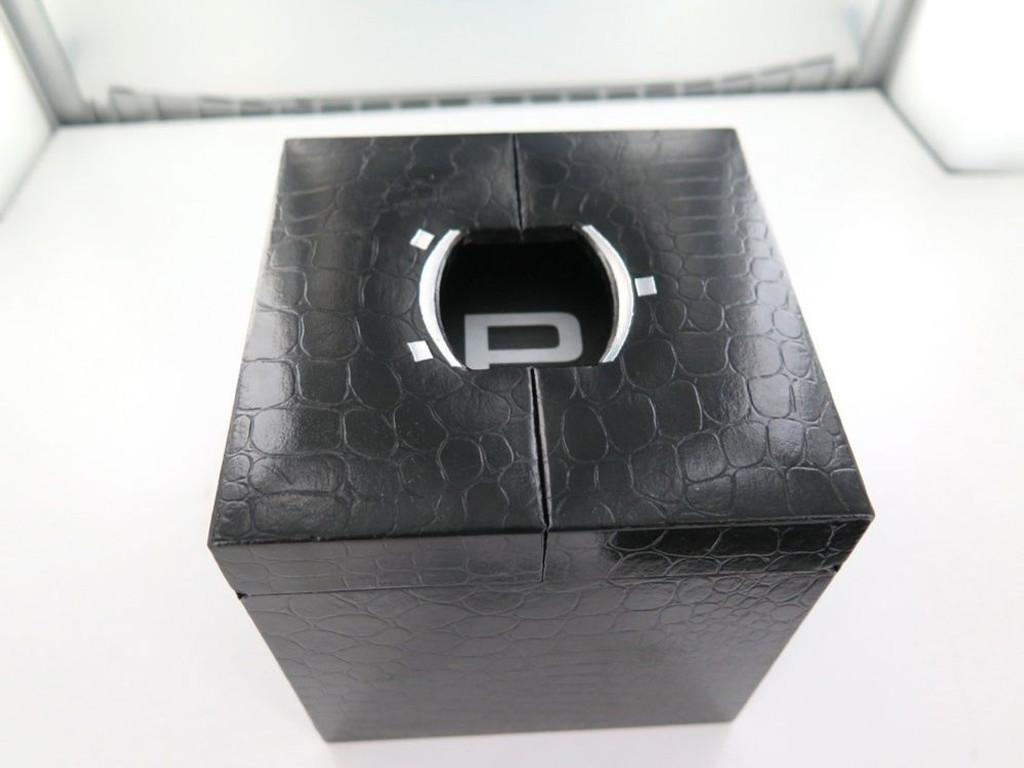 PIPPO LADIES DIAMOND VINTAGE / COLLECTABLE DISPLAY BOX.