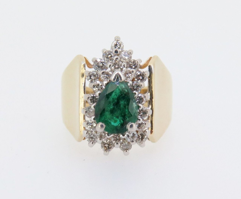 14k Yellow Gold ladies Diamond & Pear Cut Emerald Cocktail ring Val $3995