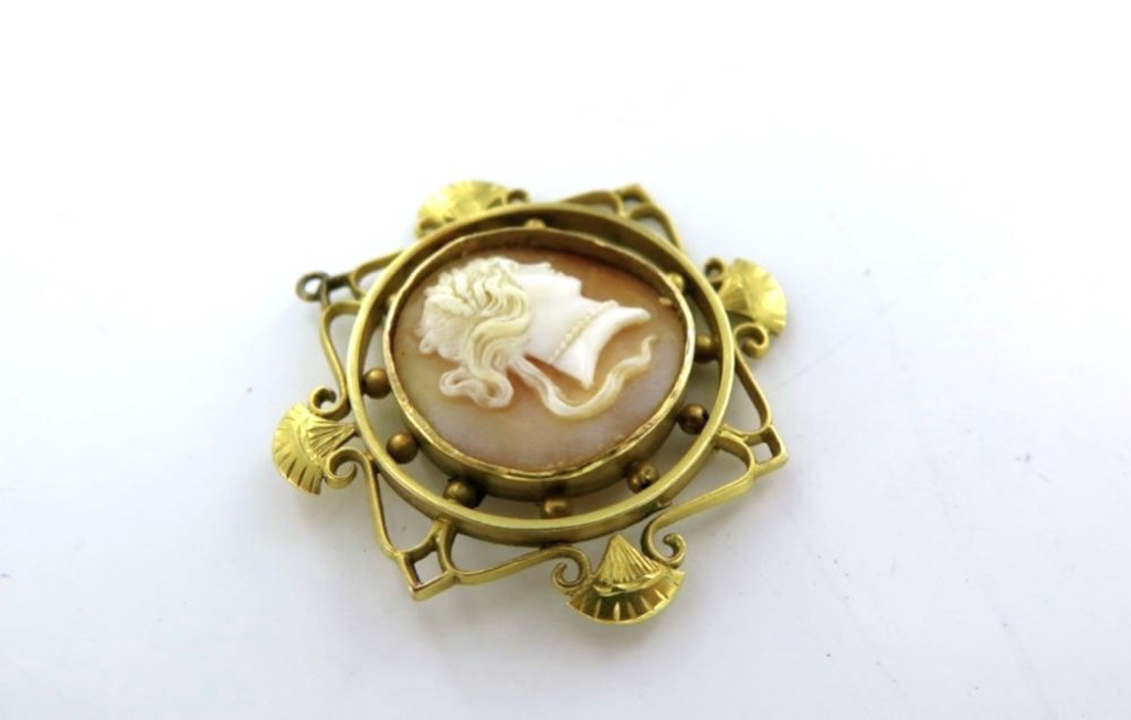 Superb 15ct gold Australia late1800 / early 1900s Caris Jewellers cameo brooch