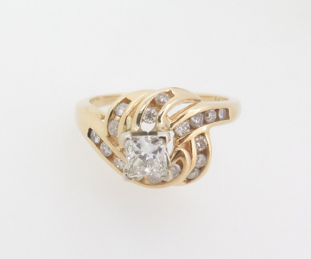 14k Gold 0.83ct Diamond Cluster Ladies dress ring, valuation $4890