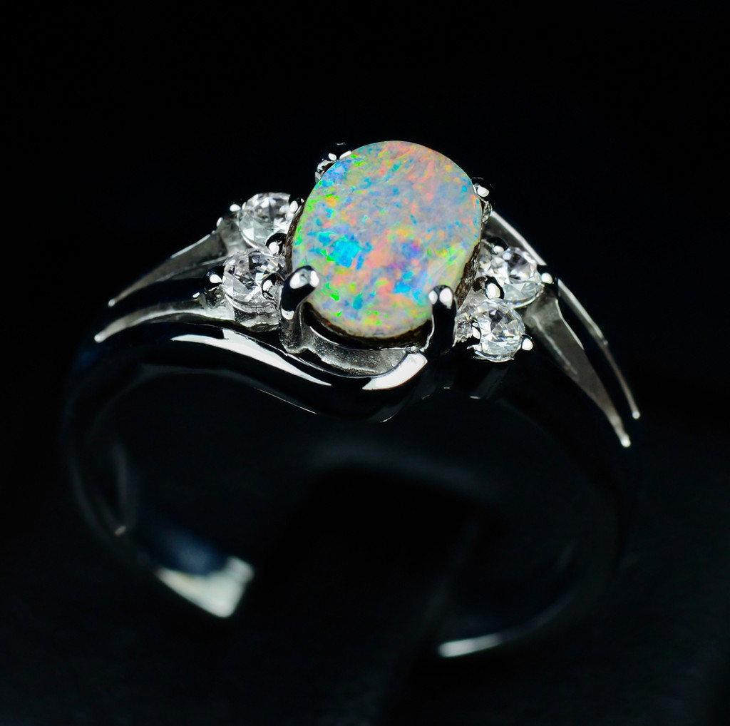 Vintage Opal Rings and How to Choose Them